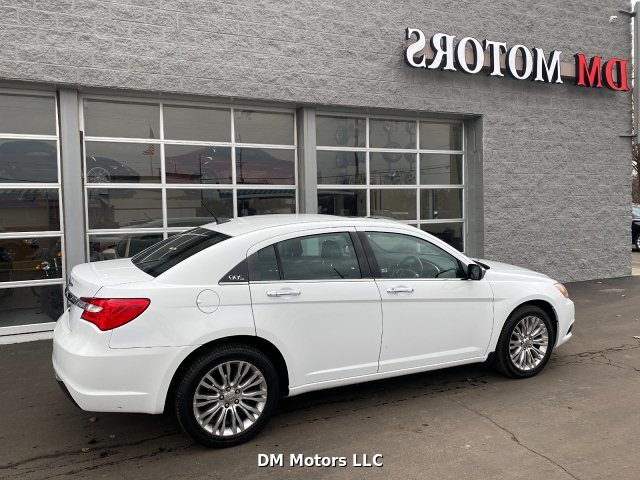 2012 Chrysler 200 Limited 6-Speed Automatic
