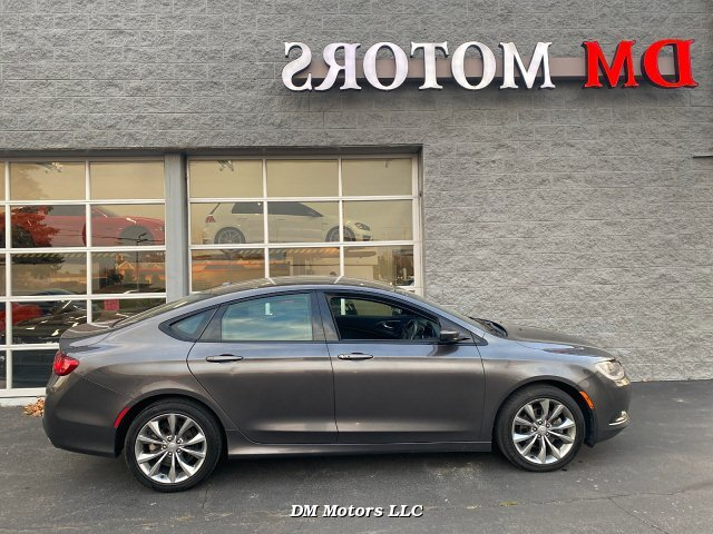 2015 Chrysler 200 S 9-Speed Automatic