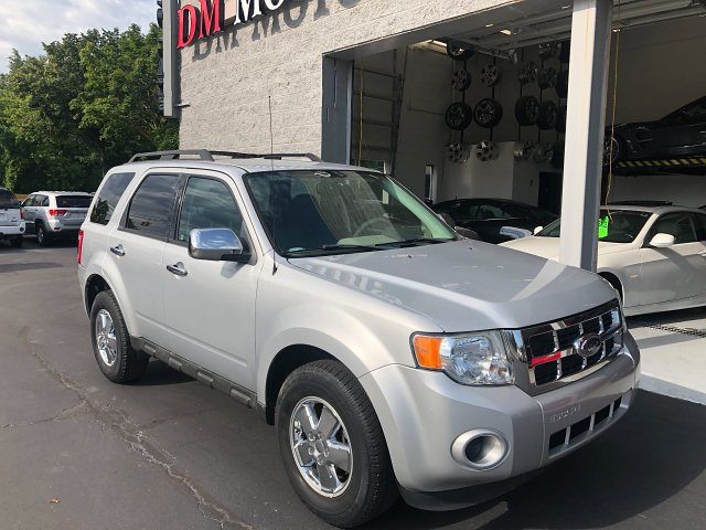 2009 Ford Escape XLS FWD AT 4-Speed Automatic