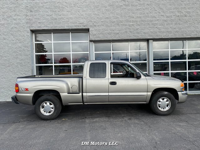 2003 GMC Sierra 1500 SLE Ext. Cab Short Bed 4WD 4-Speed Automatic