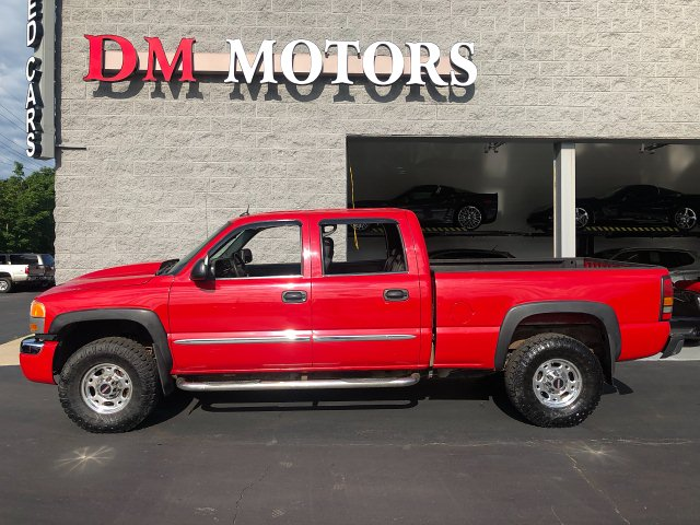 2005 GMC Sierra 2500HD SLT Crew Cab Short Bed 4WD 5-Speed A