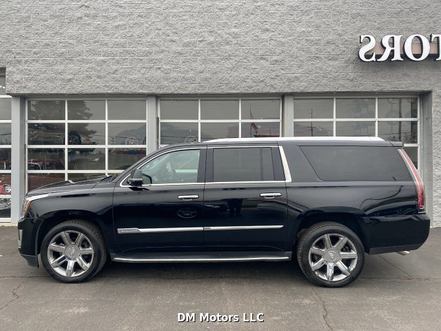 2016 Cadillac Escalade ESV Luxury 4WD 6-Speed Automatic
