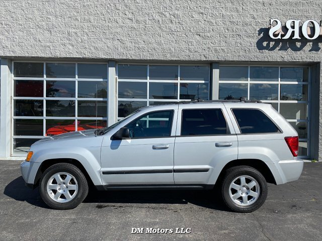 2009 Jeep Grand Cherokee Laredo 4WD 5-Speed Automatic