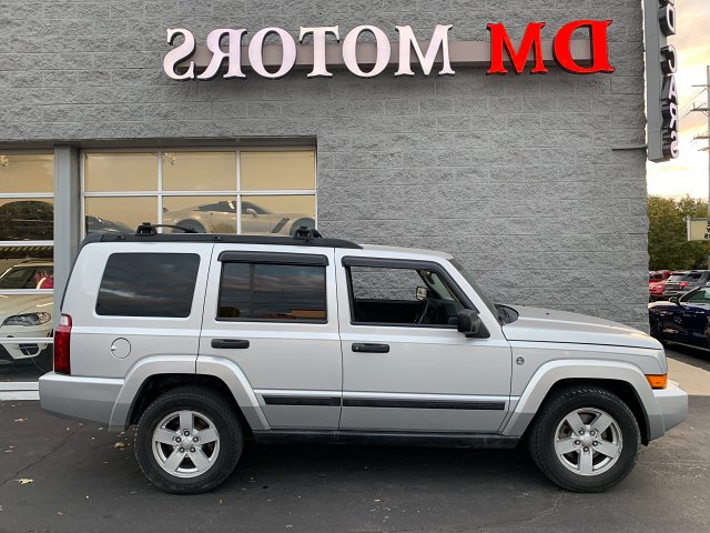 2006 Jeep Commander 4WD 5-Speed Automatic