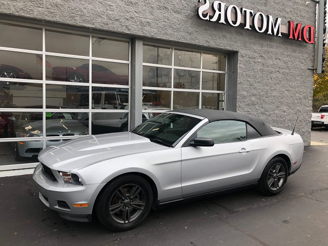 2012 Ford Mustang V6 Convertible 6-Speed Automatic