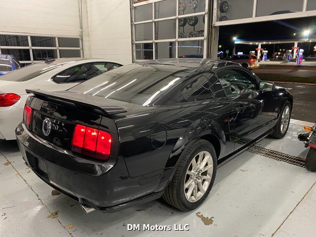2007 Ford Mustang GT Premium Coupe 5-Speed Manual