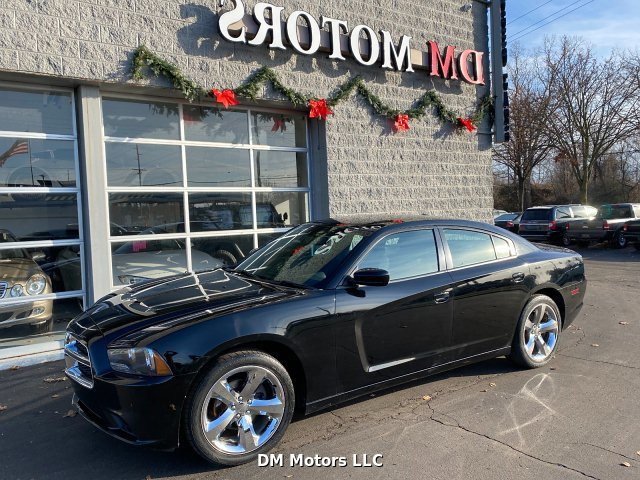 2012 Dodge Charger SXT 5-Speed Automatic