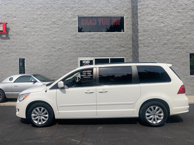 2012 Volkswagen Routan SE 6-Speed Automatic