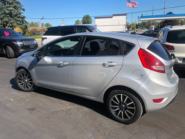2011 Ford Fiesta SES Hatchback 6-Speed Automatic